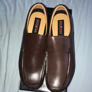 NIB brown loafers